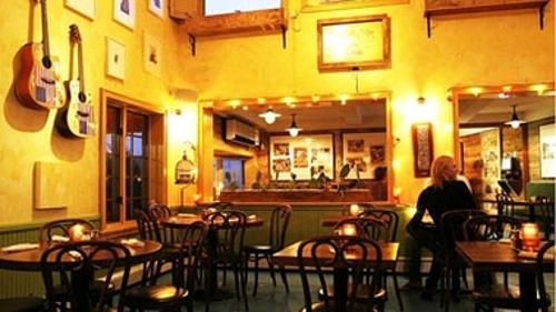 Blue Parrot Bar & Grill - East Hampton, NY
