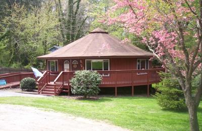 Blue Ridge Montessori School - Asheville, NC