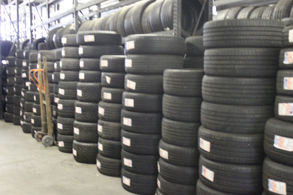 Best auto repair tire shop sycamore il 60178 for General motors dealers near me