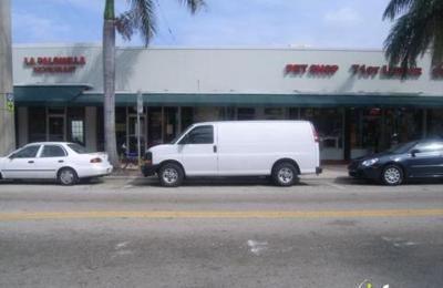 On The Rocks Sports Bar - Miami Beach, FL