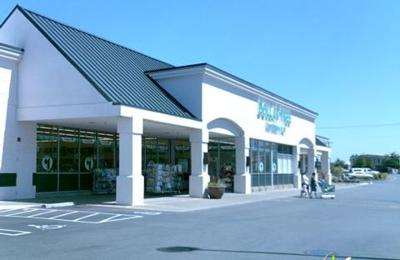 Mid Valley Plaza - Woodburn, OR