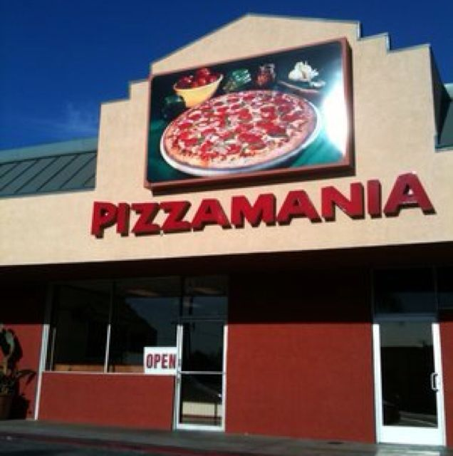 Pizzamania, Whittier CA
