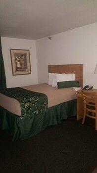 Oak Tree Inn, Cheyenne WY