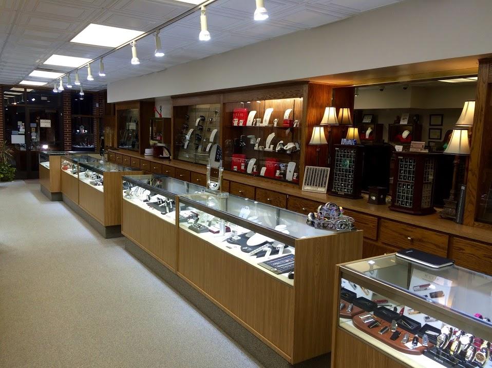 LR Jewelers, Cedar Falls IA