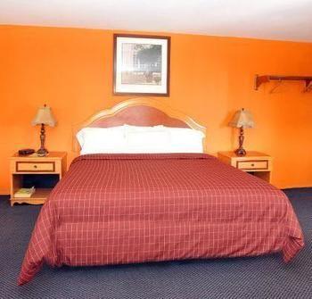 Pacific View Inn & Suites, Huntington Beach CA