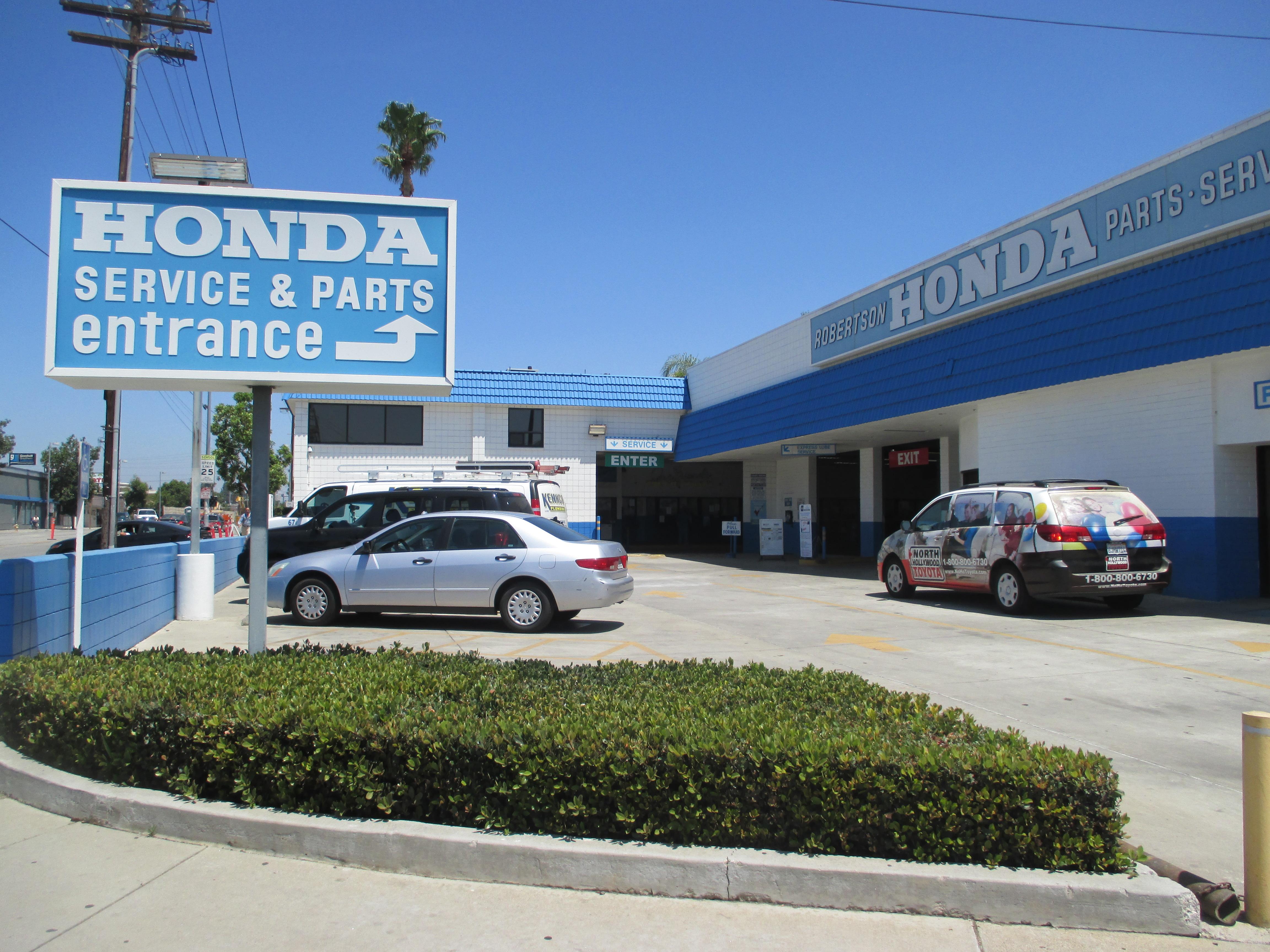 Robertson Honda, North Hollywood CA