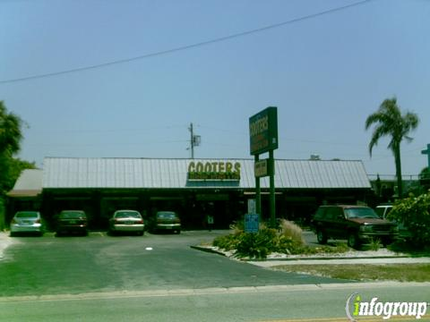 Cooters Raw Bar & Restaurant, Clearwater Beach FL