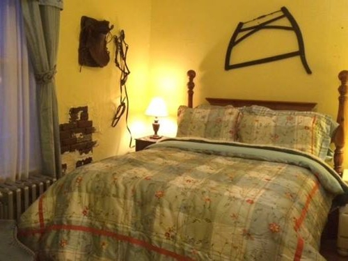 Hatfield McCoy House Inn, Williamson WV