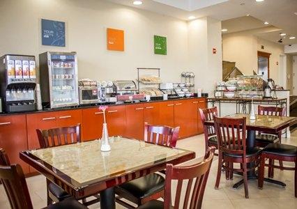 Comfort Inn & Suites Laguardia Airport, Maspeth NY
