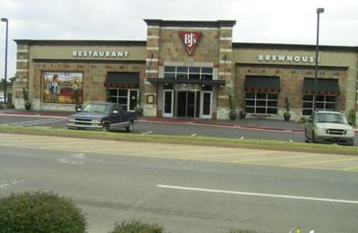 BJ's Restaurants - Oklahoma City, OK