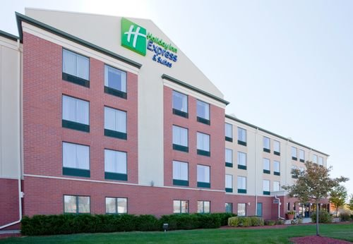 Holiday Inn Express & Suites MILWAUKEE-NEW BERLIN, New Berlin WI