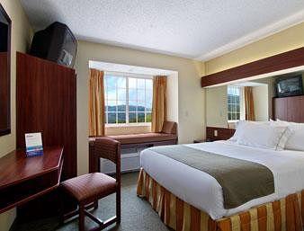 Microtel Inn & Suites by Wyndham Gassaway/Sutton, Gassaway WV