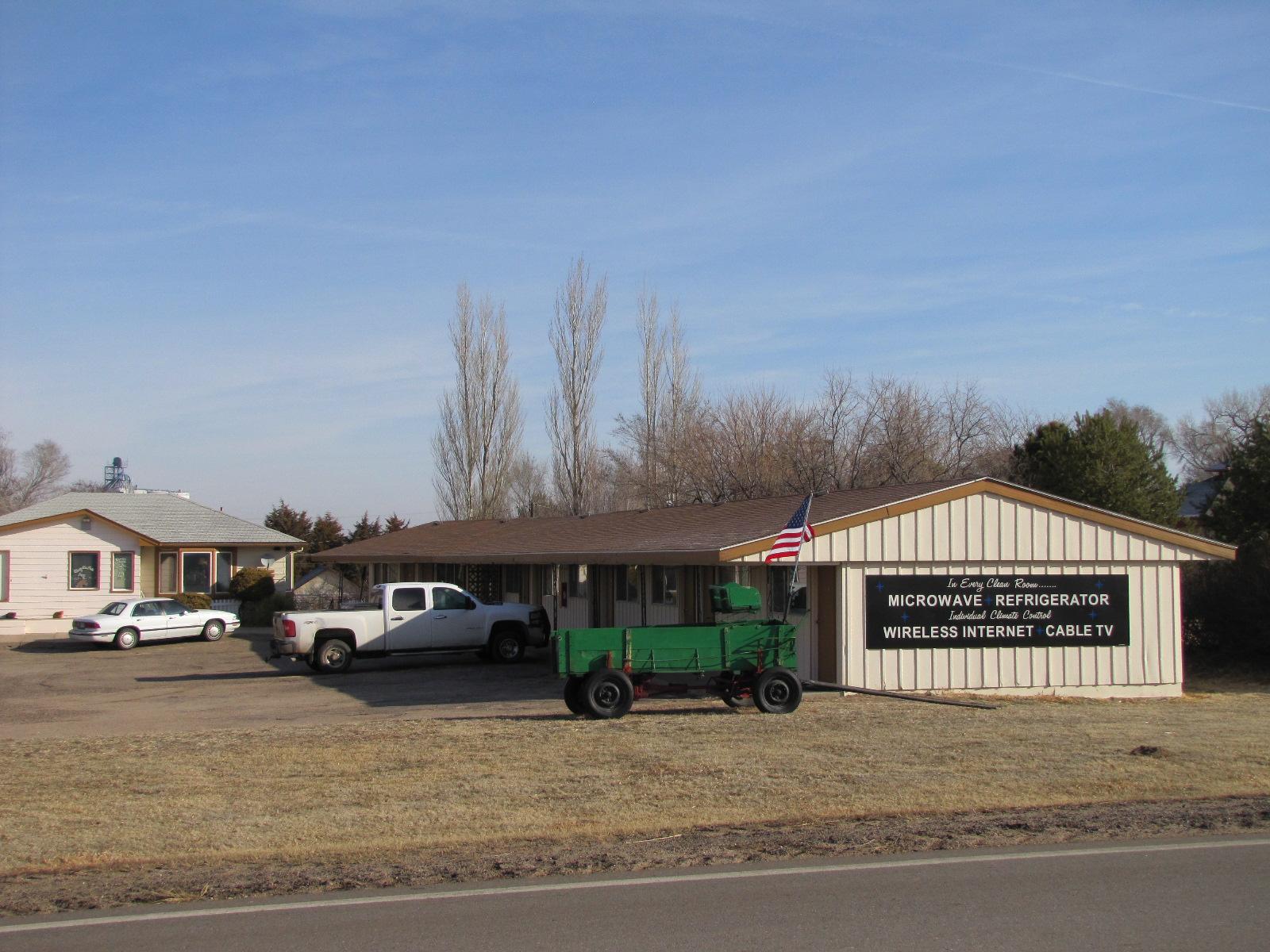 Homesteader Motel-Rv Trailer, Saint Francis KS