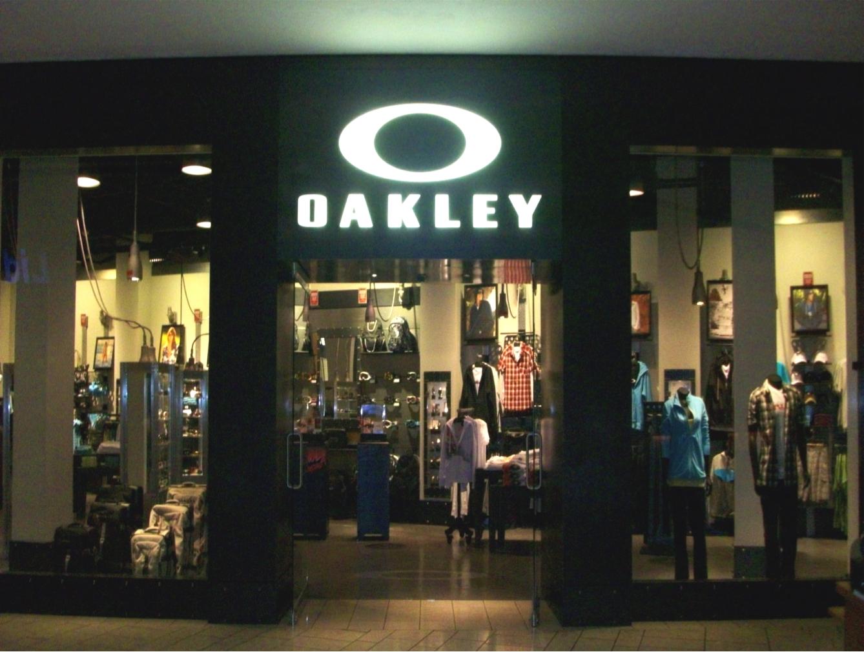 Oakley Arundel Mills