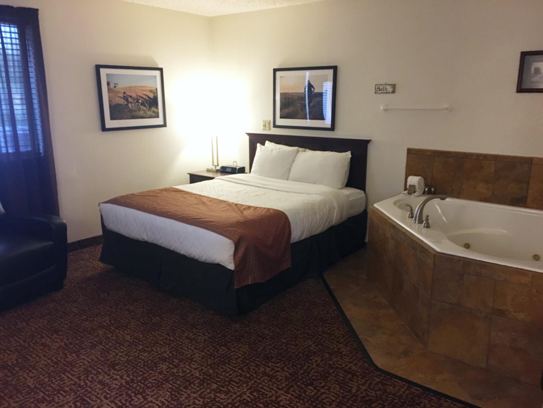 Roosevelt Inn & Suites, Watford City ND