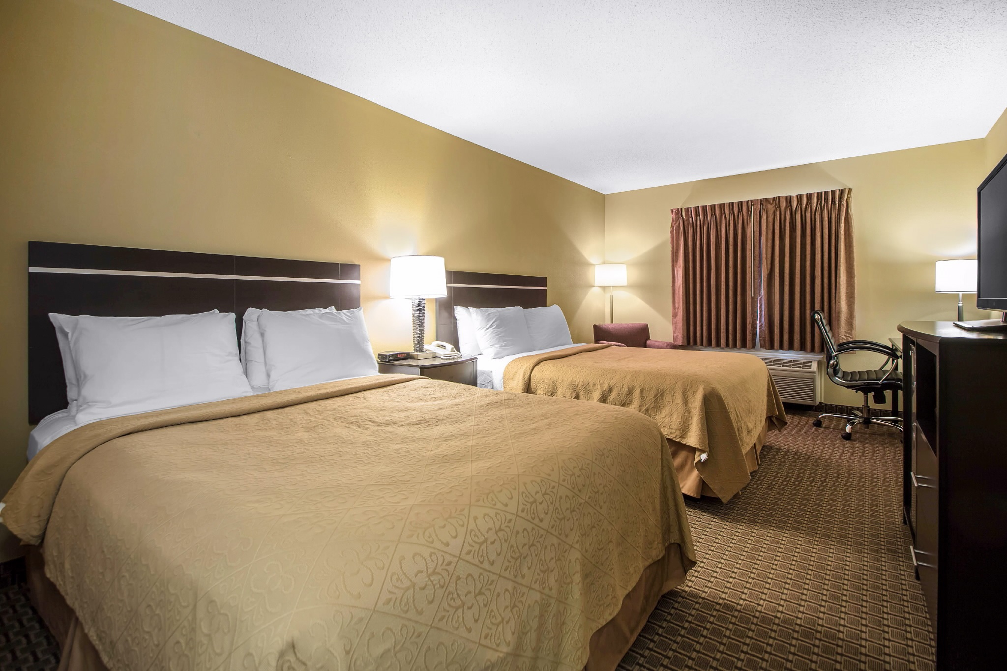 Quality Inn & Suites Sun Prairie Madison East, Sun Prairie WI