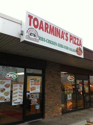 Toarmina's Pizza, Taylor MI
