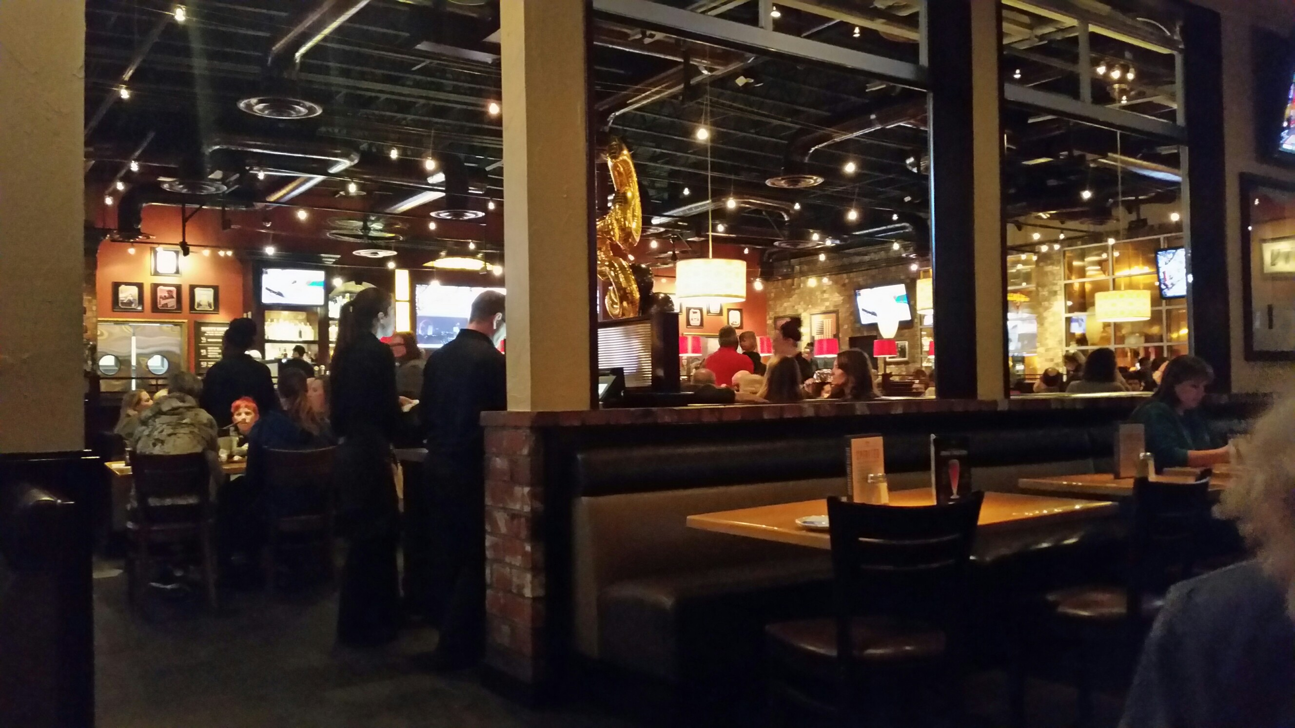 BJ's Restaurants, Roseville CA