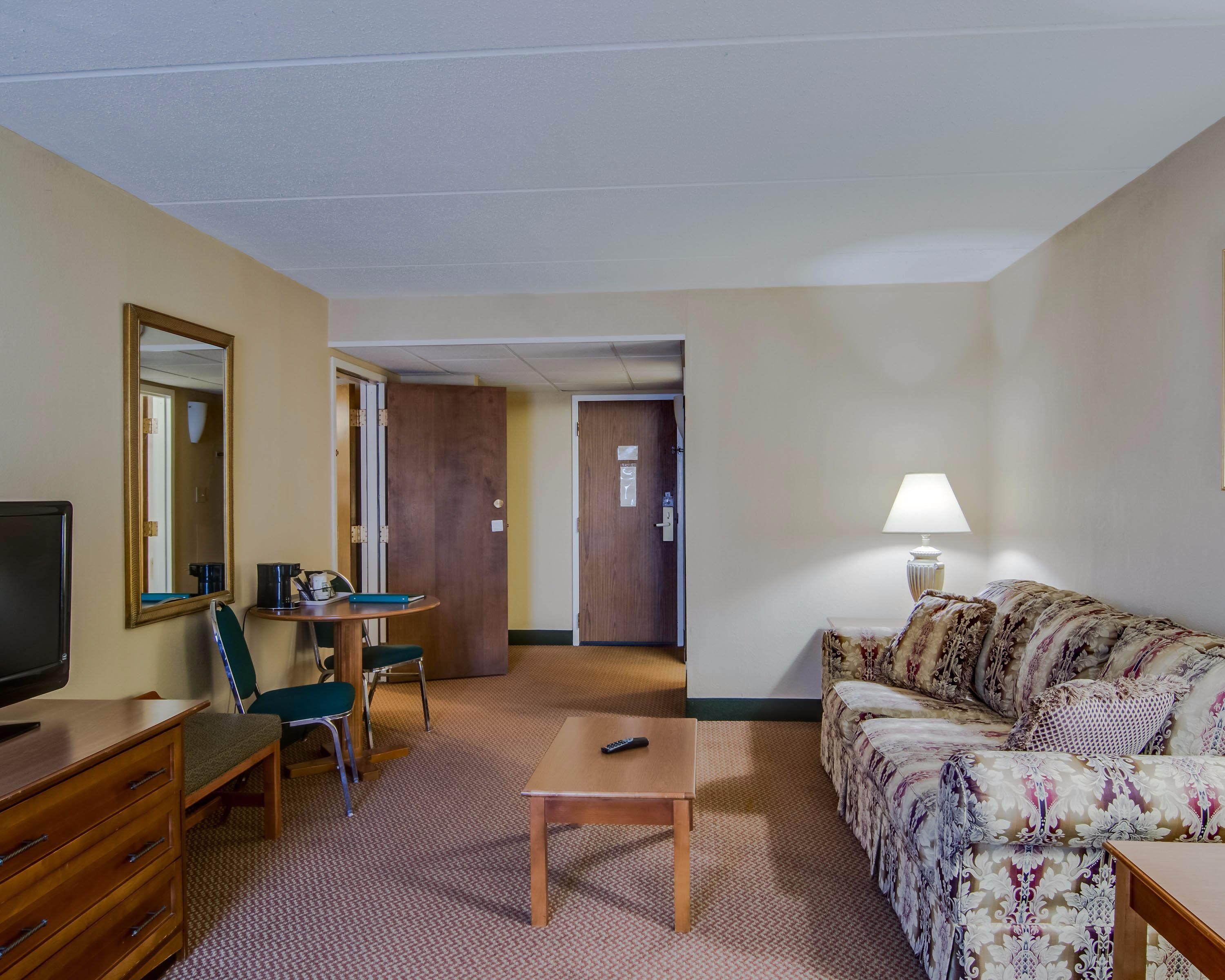 Quality Hotel And Conference Center, www.choicehotels.com WV