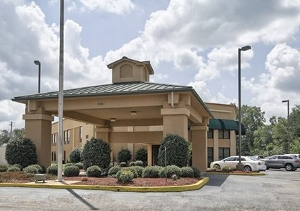 Quality Inn, Magee MS
