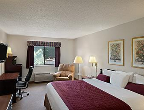 Baymont Inn & Suites Whitewater - Whitewater, WI
