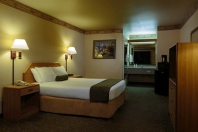 The Redwood Fortuna Riverwalk Hotel, Fortuna CA
