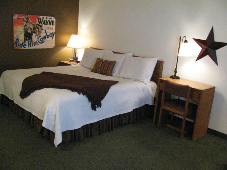 Americas Best Value Inn Covered Wagon, Lusk WY