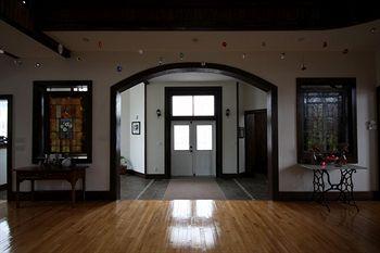 McGrady Inn, Charleston IL