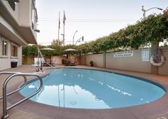 Best Western Plus Airport Plaza - San Jose, CA