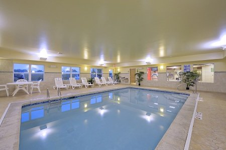 Country Inns & Suites, Rossford OH