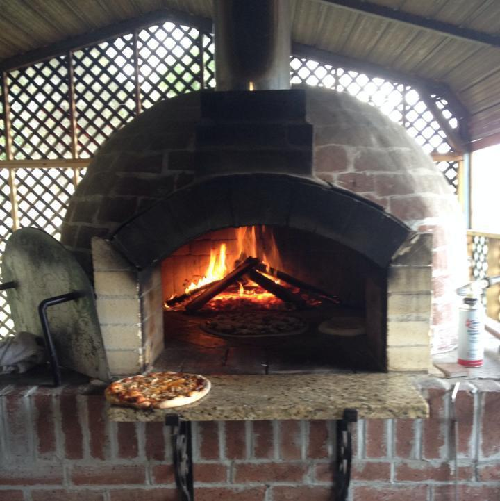 R & B Brick Oven Pizza, Saucier MS