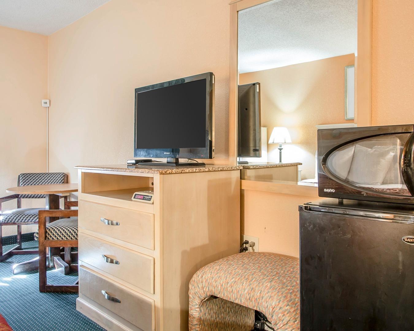 Rodeway Inn & Suites, Buena NJ