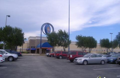 Dave & Buster's - Hollywood, FL