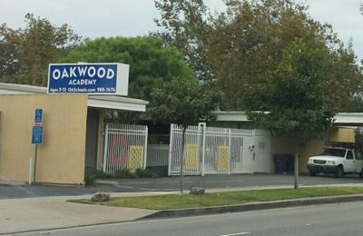 Oakwood Academy Preschool & Kindergarten - Long Beach, CA. Outside