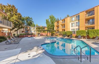 Pleasant Hill Travel Center - Pleasant Hill, CA
