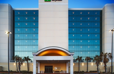 Holiday Inn Express & Suites VA Beach Oceanfront - Virginia Beach, VA