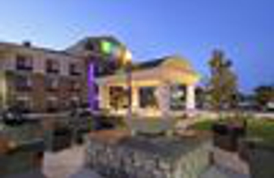 Holiday Inn Express & Suites Colorado Springs-First & Main - Colorado Springs, CO