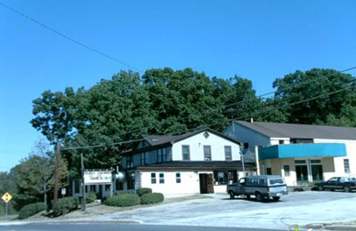 Commodore Hall - Essex, MD