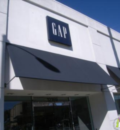 Gap - Studio City, CA