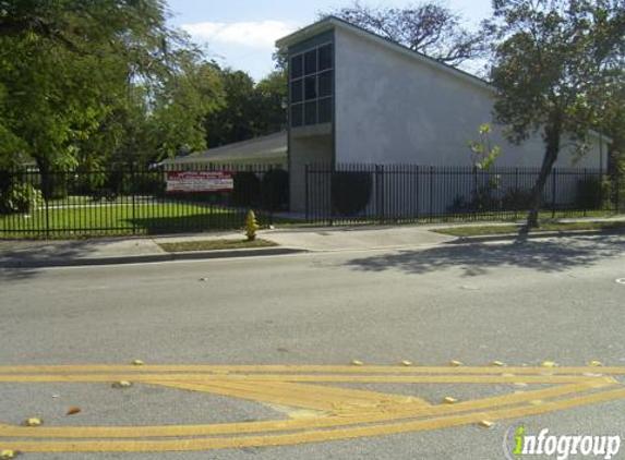 Coconut Grove Church of Christ - Miami, FL