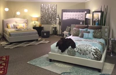 HOM Furniture   Onalaska, WI