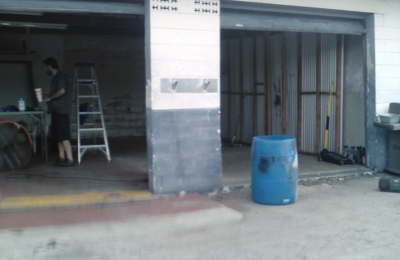 Houdinis Auto Repair - Pinellas Park, FL