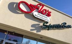 Flo's Pizzaria Ristorante and Sports Bar