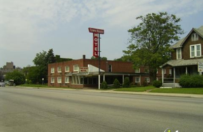 Admirable Town House Motel 15661 Euclid Ave Cleveland Oh 44112 Yp Com Home Interior And Landscaping Mentranervesignezvosmurscom