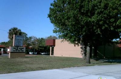 Cobblestone Court Decorat - Clearwater, FL