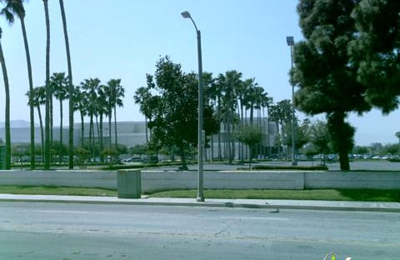 American Eagle Outfitters - Riverside, CA