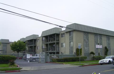 Pepper Tree Apartments - Hayward, CA