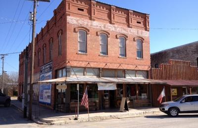 Sugar Moon Antiques - Hico, TX