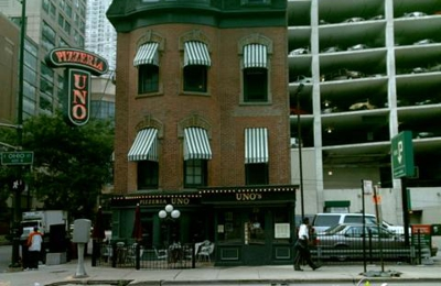 Uno Chicago Grill - Chicago, IL