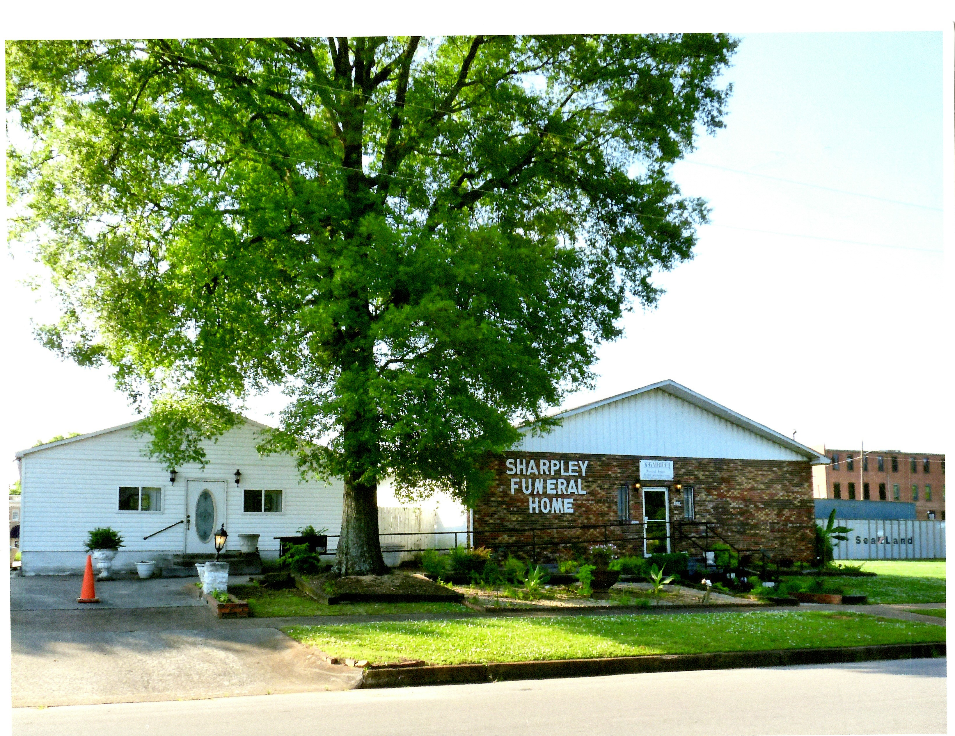 Decatur alabama funeral homes avie home for Home builders decatur al